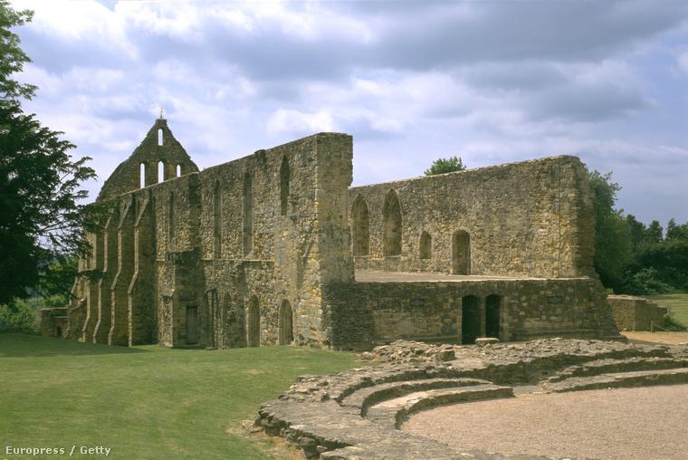 A hastingsi csata után emelt kolostor romjai