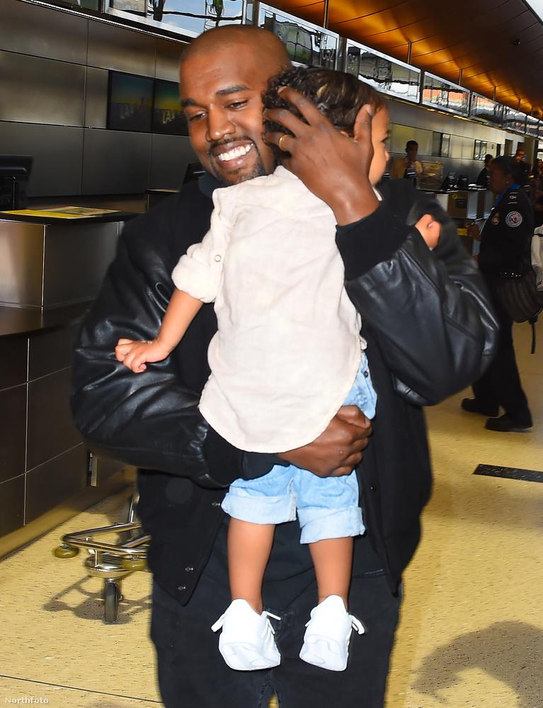 Kanye West itt valószínűleg azért örül ennyire, mert még nem tudja, milyen Örményország