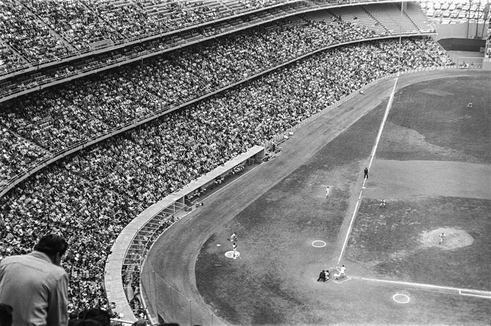 Baseball III., Los Angeles, USA, 1963                               zselatinos ezüst nagyítás   gelatin silver print, 2015                               46,5 x 32,5 cm