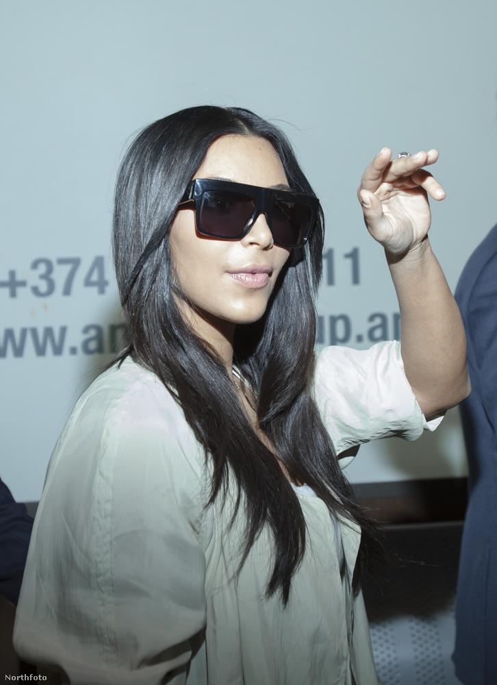 És csak abban tudunk reménykedni, hogy Kardashian nem csak Jerevén belvárosát, meg a hotel bárját nézi meg,