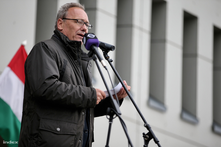 Pad Ferenc ajkai kampányrendezvényén