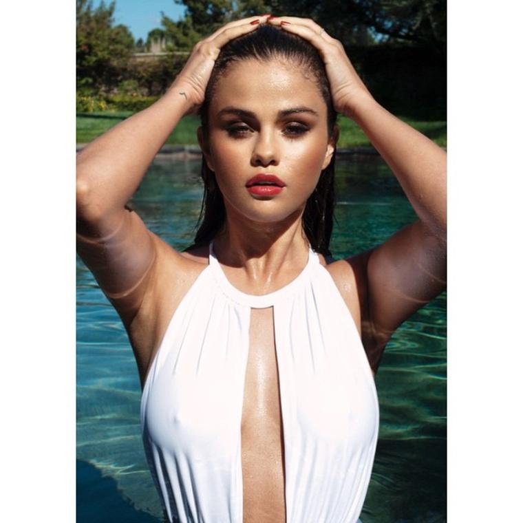 És végül búcsúzzunk az első igazán pucér héttől Selena Gomez bimbóival! A jövő vasárnapi viszontlátásra