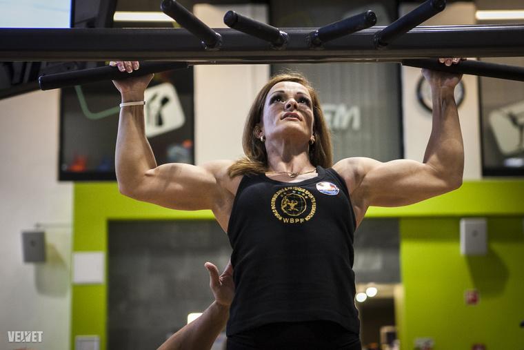 A 43 éves fitneszes is kőkeményen edz, szigorúan diétázik