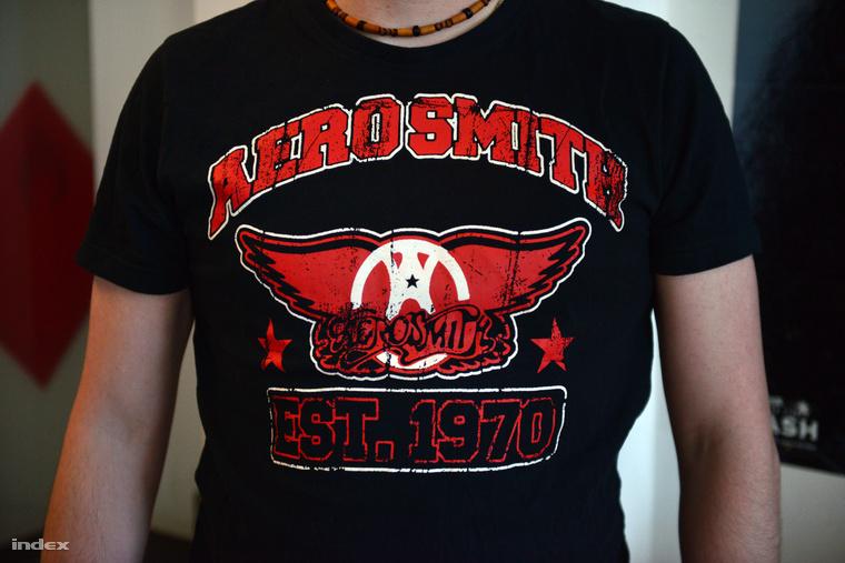 Egy Lidlben vásárolt Aerosmith-trikó