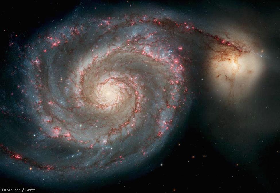 Az Örvény-galaxis, ahogy az a Hubble szolgálatának 15 éves évfordulójára kiadott képen látszott.