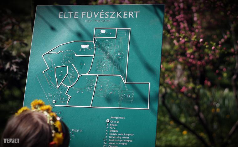 A bejáratnál térkép segíti a tájékozódást