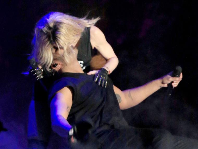 És egy random csókkal Madonnával