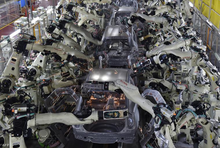 Hegesztő műhely a Toyota Motors üzemében, Cucumiban (Aicsi prefektúra, Japán)