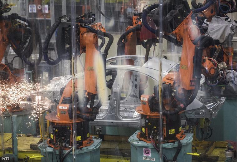 Karosszériagyártás a Mercedes-Benz kecskeméti gyárában