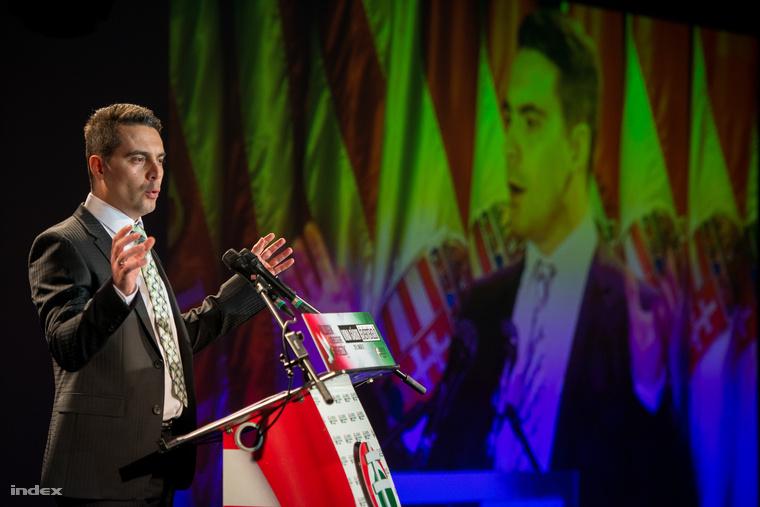 Vona Gábor beszél a Jobbik 2014-es évértékelő rendezvényén