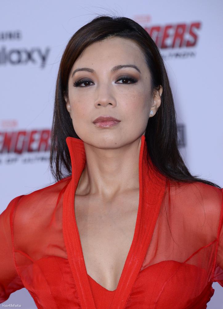 A színésznő most 51 éves.