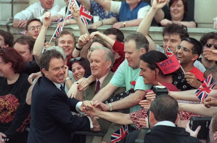 Tony Blair és támogatói első győzelmekor, 1997-ben