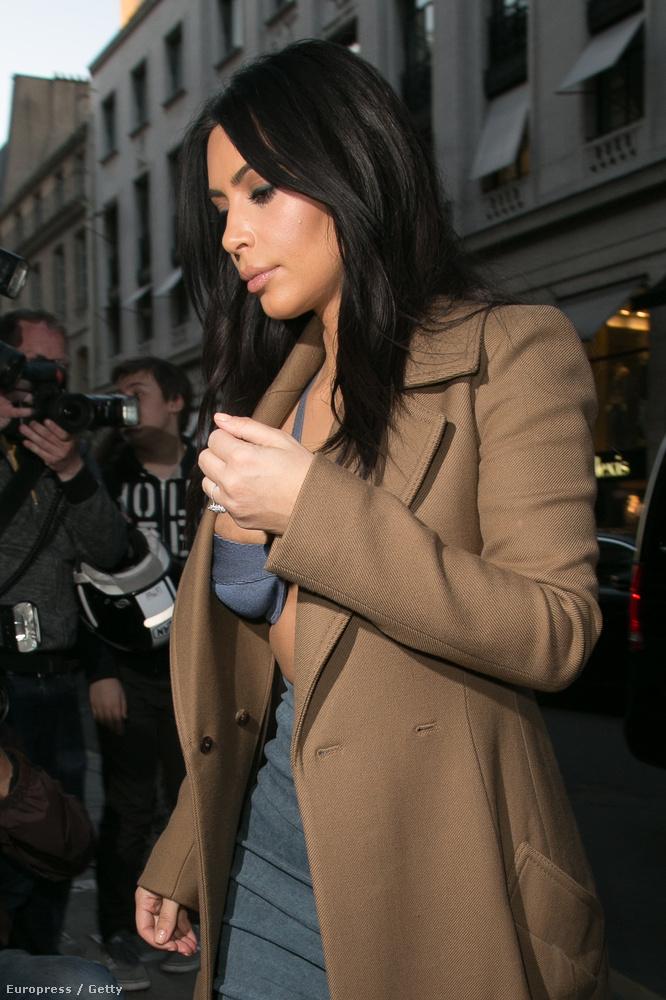 Kardashian melle vészesen közelről