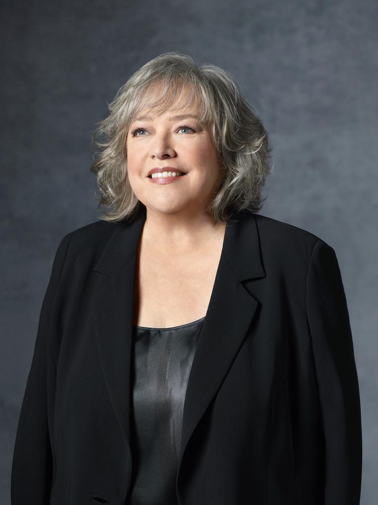 Kathy Bates 2003-ban petefészekrákkal, majd 2012-ben a mellrákkal is megküzdött