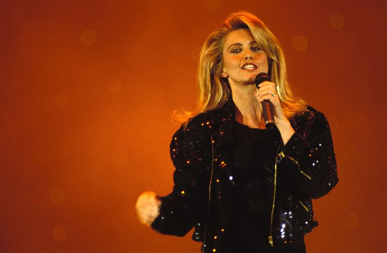 Olivia Newton-John 1992-ben tudta meg, hogy mellrákja van
