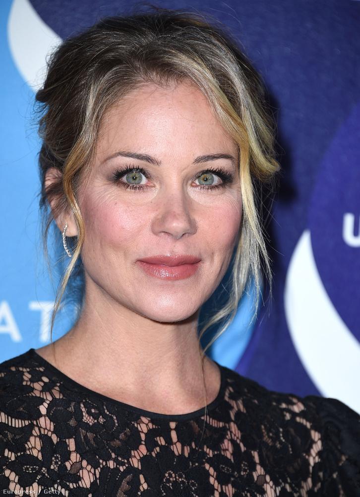 Rusty felesége Christina Applegate lesz.