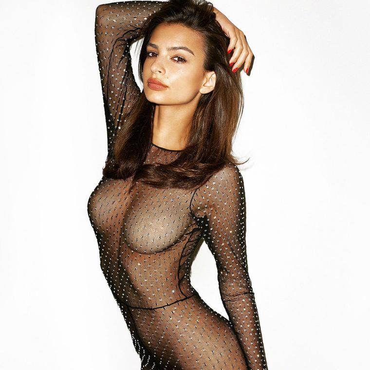 Ez pedig itt egy becsapós kép, mert itt kivételesen van rajta ruha.