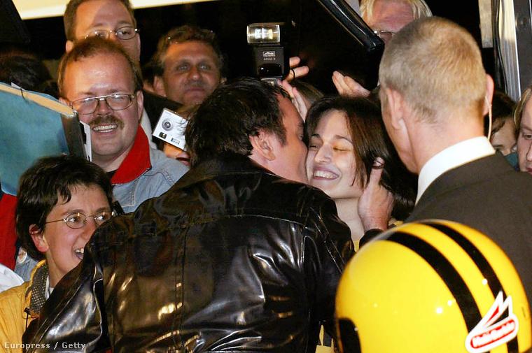 Itt pedig Quentin Tarantino gondolta úgy, hogy van ember, aki örül annak, ha ad neki egy puszit
