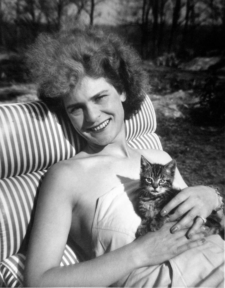 Elképesztő ez a szépség! Mellesleg Margaret Bourke-White, a LIFE Magazin egyik legendás fotósa is jelen van a képen