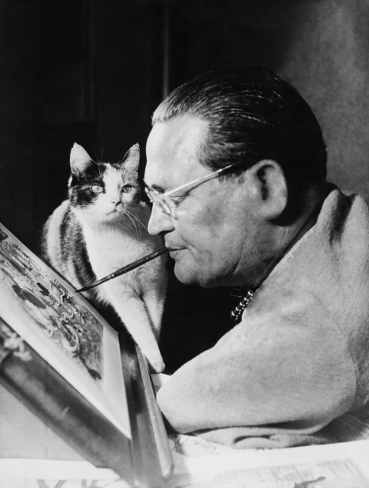 A szájjal festő német  Carl Fischer vagyis  Cefischer 1954-ben kicsit kiszorítja a kompozícióból a modellt, aki ezt a megfelelő undorral az arcán észrevételezi.