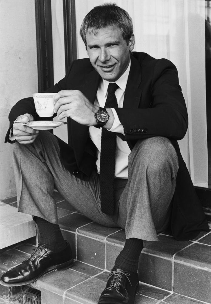 Harrison Ford kávészünetet tart.