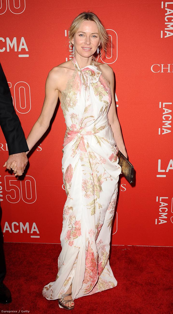 A 46 éves színésznő elég sokat dolgozik mostanában, csak 2015-ben négy filmje kerül a mozikba.