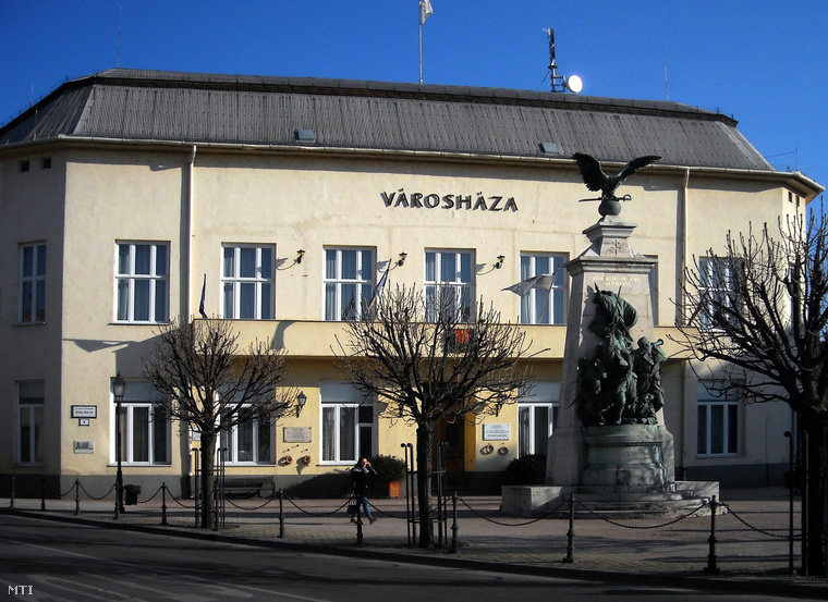 A XV. kerületi városháza épülete