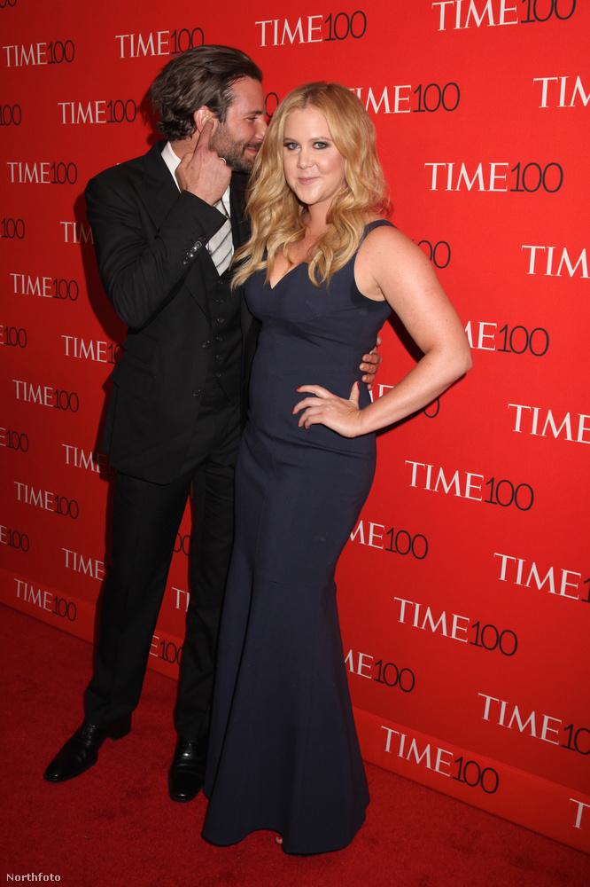 Bradley Cooper és Amy SchumerIgen, ez az a stand-upos nő, aki behódolt Kanye Westék előtt