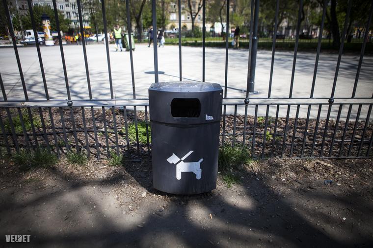 Szemetest azért tettek a nyolcadik kerületi, Kálvária téri futtatóra,