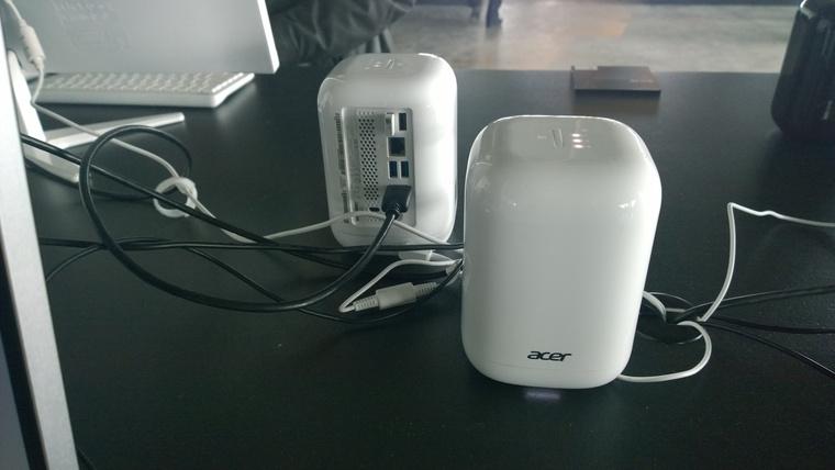 Lehetne éppenséggel sörhűtő is, de ez egy számítógép, amit akár 6 terabájtos háttértárral is felszerelhetünk. Házi felhőszolgáltatóként működik, a gépen tárolt adatokat távolról el tudjuk érni az Acer alkalmazásaival.