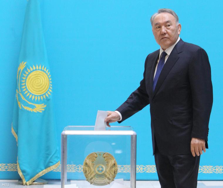 Nazarbajev is leszavazott Asztanában