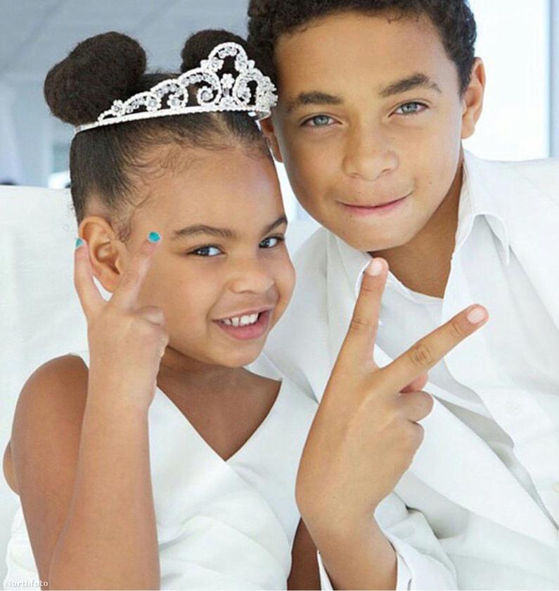 Gyerekek, ez hányadik mellvilantós Knowles-esküvő az elmúlt fél évben?
