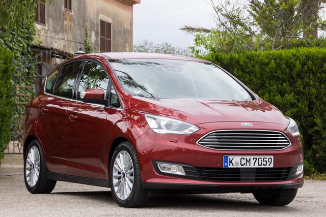 A C-Max is megkapta az egységes Ford-arcot, ez a leglátványosabb változás, de aki alaposan megnézi, észreveheti, hogy...