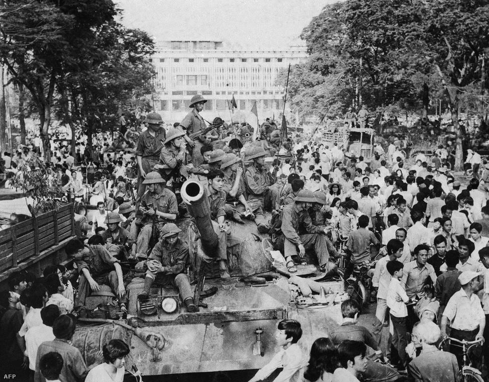 Az északi pártvezetés május 19-ét tűzte ki a Vietnami Néphadsereg elé Saigon bevételének határidejéül: erre a napra esett ugyanis Ho Si Minh születésének 85. évfordulója.