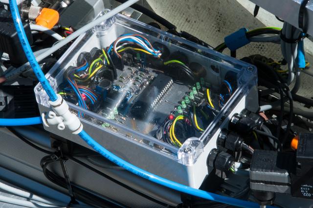 Az elektronika, amely a szelepek vezérléséért felel