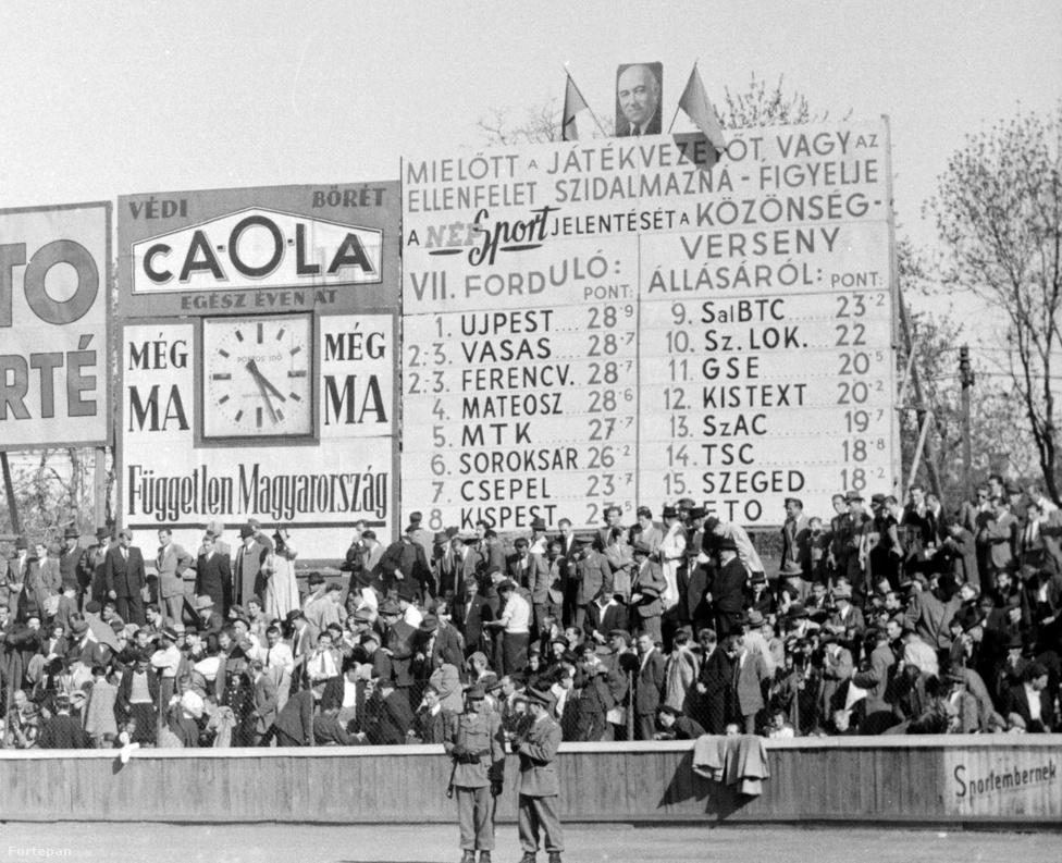 """""""Közönségverseny? Na, azt meg ki nem szarja le? SZEMÜVEGET A BÍRÓNAK. HÜLYE VAGY, HÜLYE VAGY, HÜLYE VAGY!"""" A Népsport a tribünökön egyre elterjedtebb csúnya beszéd miatt versenyt hirdetett a csapatok között 1948-49-ben. Itt a sportszerűség és nem a gólok számítottak. A legmosdatlanabb szájúak a győri és szegedi drukkerek voltak."""