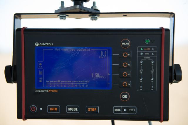 A mechanikus vetőgépet felügyelő elektronika, a Digitroll