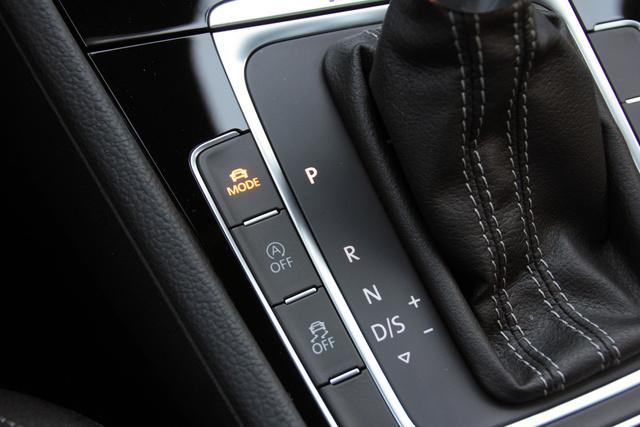 Állítólag ez az első VW, amiben teljesen ki lehet kapcsolni a menetstabilizáló rendszert