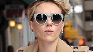 Ilyen, amikor Scarlett Johansson nagyon megijed