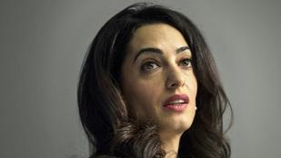 Amal Clooney New Yorkban bulizott, meg is látszott rajta