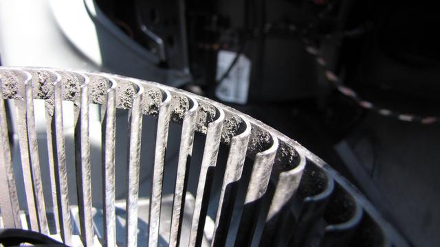 A ventilátor lapátjain is megül a mocsok, ha nagyon alaposak vagyunk, ezt is érdemes letakarítani