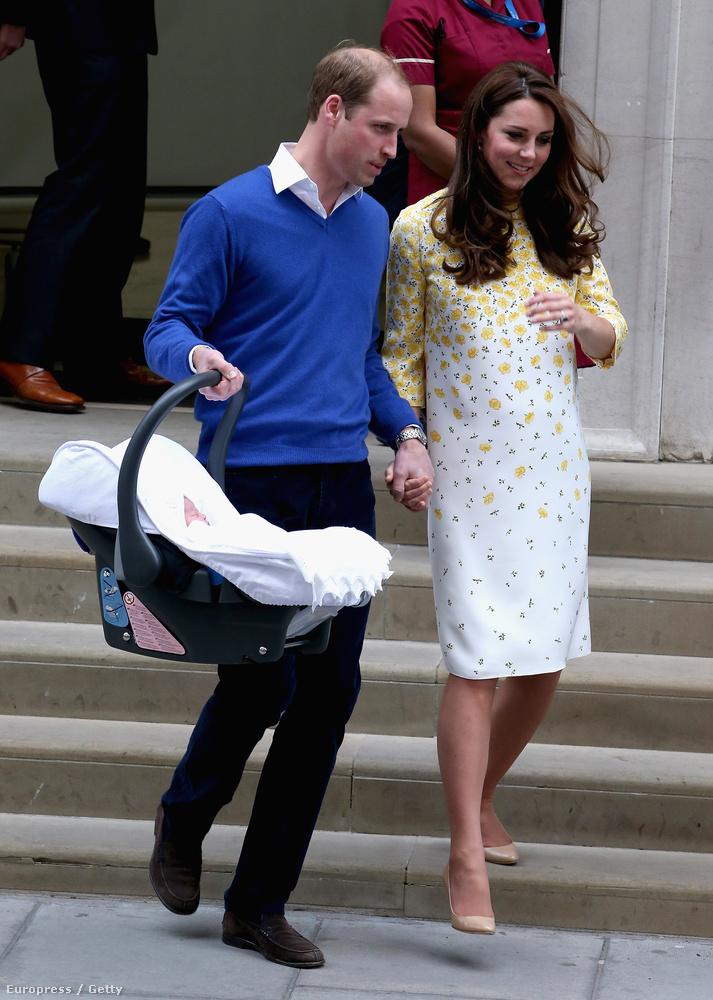 A bemutatás után Vilmos hercegék fogták a babát és betették a Range Roverbe, majd hazavitték
