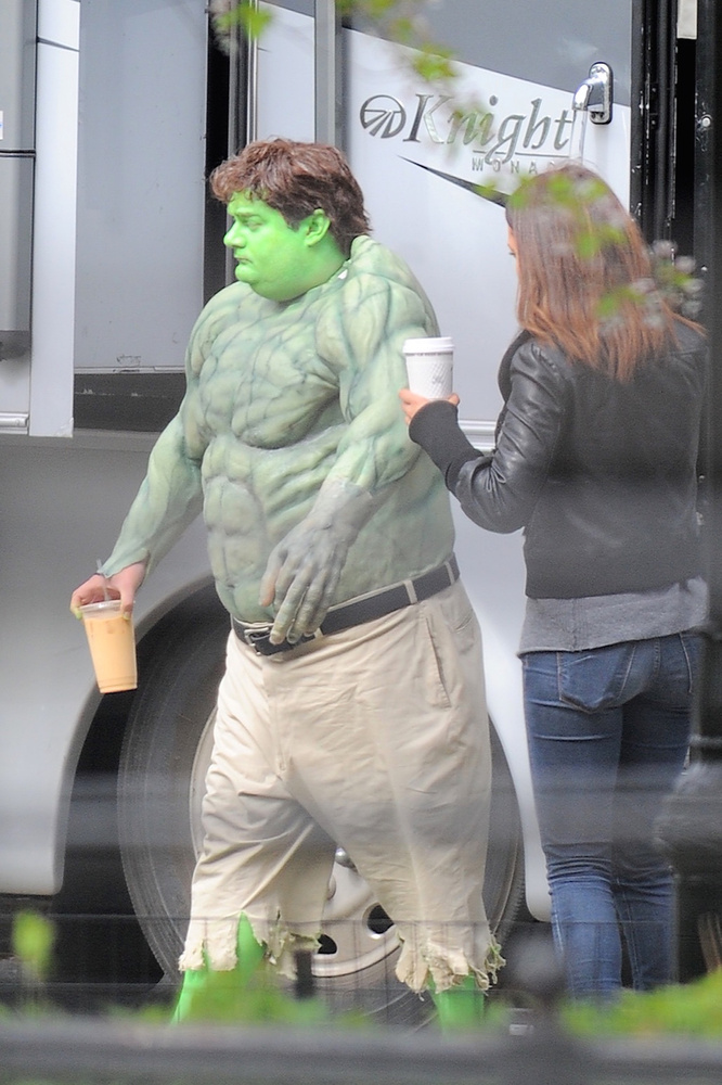 Azért Bobby Moynihant sem szabad kihagyni, egészan parádésan néz ki hétköznapi Hulkként.