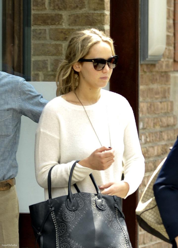 És íme, így nézett ki a színésznő, amikor másnap elhagyta a hotelt.