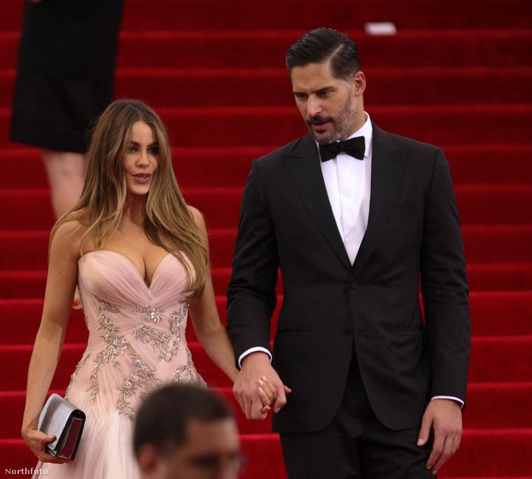 Sofía Vergara észrevette, hogy a vőlegénye megnézte egy másik nő fenekét, de ezt majd otthon beszélik meg.