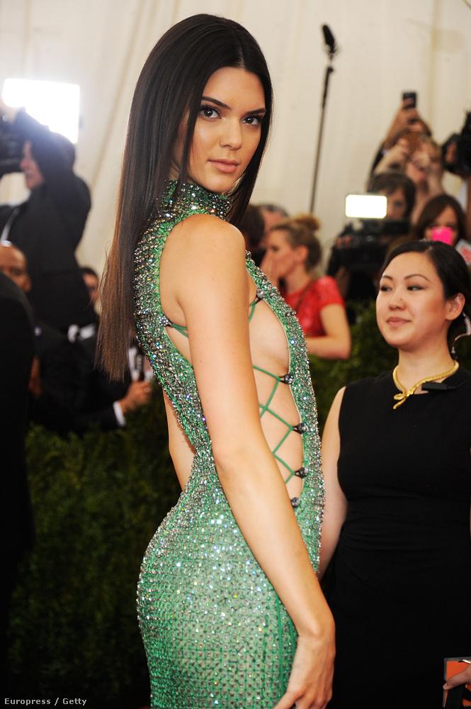 Kendall Jenner viszont csak egy szimpla modell, és semmi köze a pornóhoz