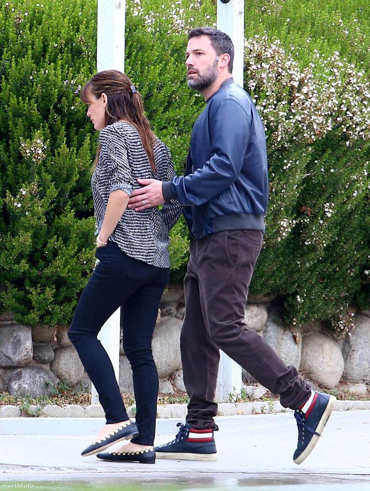 Persze Ben Afflecket és feleségét, Jennifer Garnert könnyen meg lehet ismerni - ők csak nem tűnnek ki a tömegből.