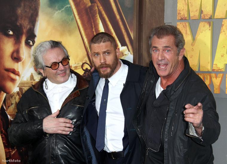 George Miller író-rendező, Tom Hardy, az új Mad Max, és Mel Gibson, a régi Mad Max.