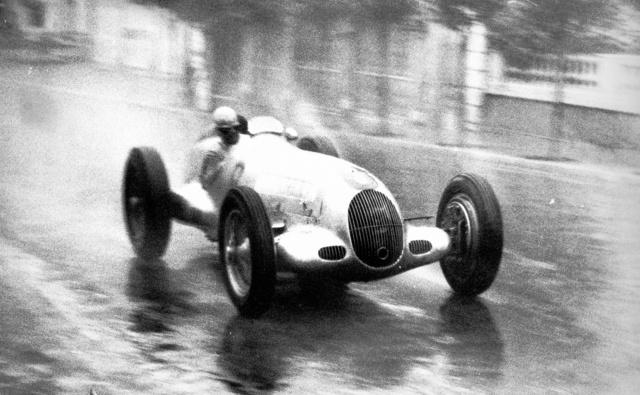 Rudolf Caracciola a nyertes W25 volánja mögött 1936-ban, a Monaco GP-n