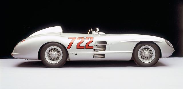 Ez konkrétan az a W196S, amellyel a Moss/Jenkinson páros megnyerte az 1955-ös Mille Migliát